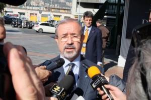 Carmelo Barbagallo intervistato dai giornalisti